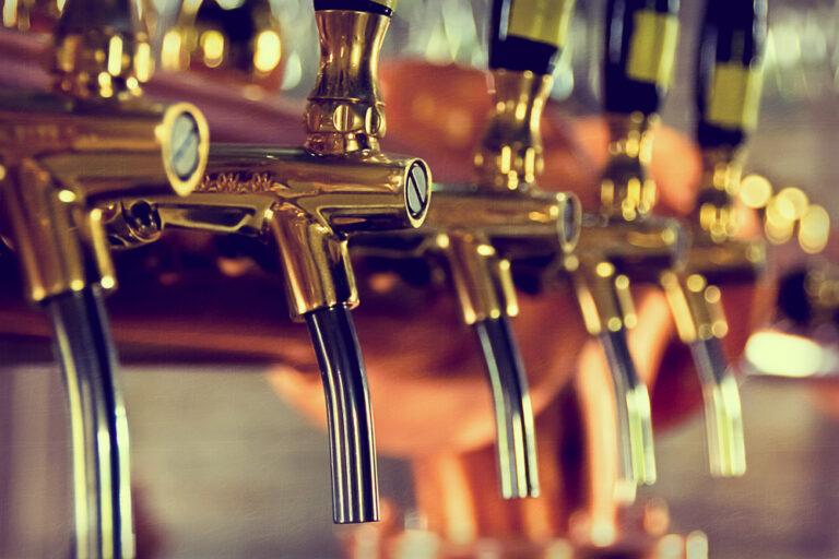 Veel leven in de West-Vlaamse brouwerij: 16 West-Vlaamse bierproducenten onder de loep
